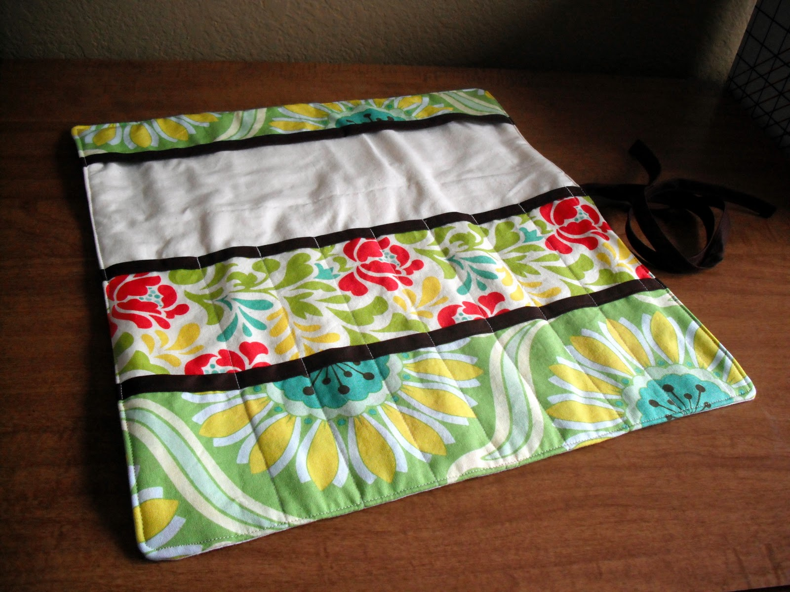 Knitting & Crochet Needle Roll | married to a bmw